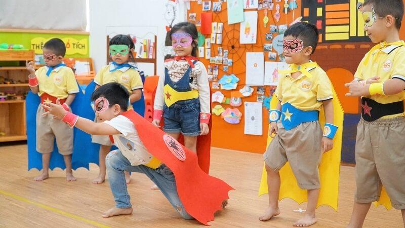 Trẻ mầm non cần vui chơi sáng tạo